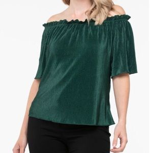 2/$40 NWT Ricki's Ivy On or Off The Shoulder Top
